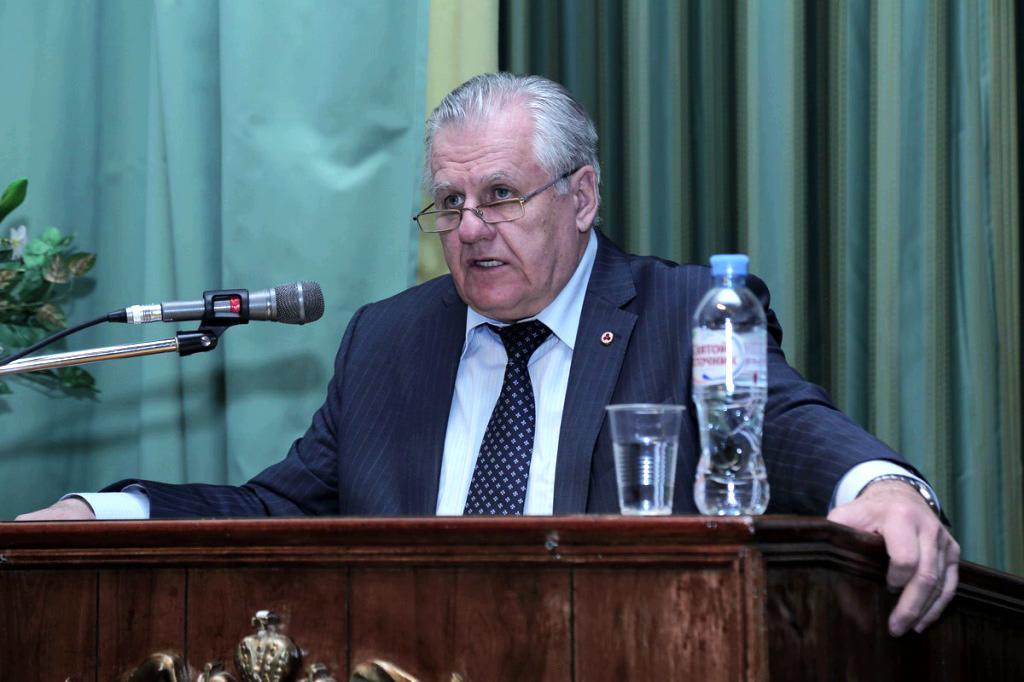 А.В.Стеценко