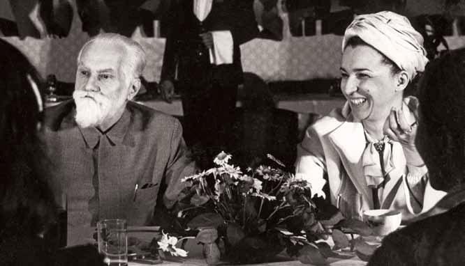 С.Н. Рерих и Людмила Живкова. 1970-е гг.