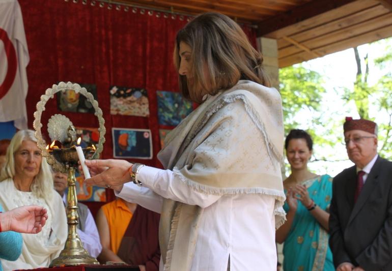 Второй день традиционного весеннего фестиваля Культуры в Международном Мемориальном Тресте Рерихов в Наггаре