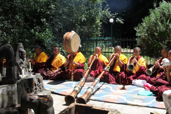 Буддийская служба