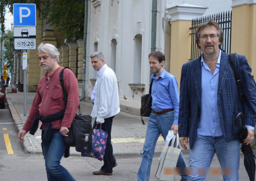 Мкртычев, Избачков, Попов и Рибак