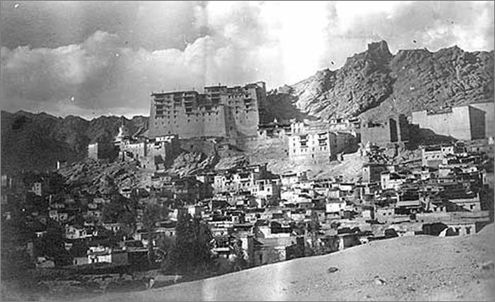 Лех. Королевский дворец и старый город. Ладакх, 1925. Фото семьи Рерихов