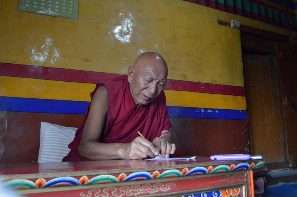 Учёный лама Тупсан Палден из монастыря Спитуг, помогавший в 1975 г. индологу Л. В. Шапошниковой в её исследованиях культуры Ладакха. 2016