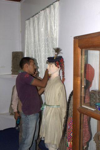 В зале музея гималайского искусства