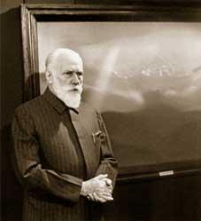 С.Н.Рерих на выставке в Москве. 1984