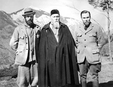Кулу. Н.К. Рерих с сыновьями